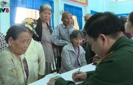 Quân khu 5 khám chữa bệnh cho đồng bào vùng cao Ba Tơ, Quảng Ngãi