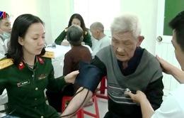 Hơn 2.700 người dân Quảng Ngãi được khám bệnh, cấp thuốc miễn phí