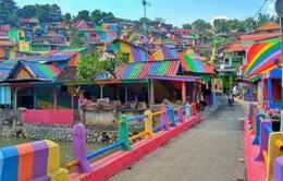 """Khu ổ chuột biến thành """"làng cầu vồng"""" tuyệt đẹp ở Indonesia"""