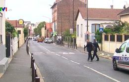 Pháp bắt hai đối tượng liên hệ với khủng bố