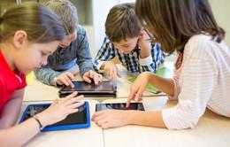 Cảnh báo nguy cơ tiềm ẩn từ Internet và mạng xã hội với trẻ em