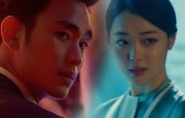 """Được hôn Kim Soo Hyun, đến """"gái hư"""" Sulli cũng thấy… đã"""