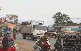 Đăk Nông: Tái diễn nạn lấn chiếm QL14 để buôn bán