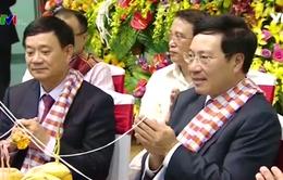 Phó Thủ tướng Phạm Bình Minh chúc mừng Tết cổ truyền Bun Pi May