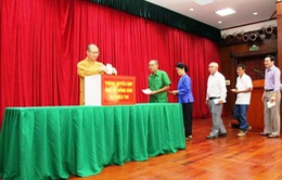 Cộng đồng người Việt tại Lào ủng hộ người dân bị thiệt hại do thiên tai
