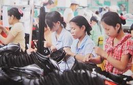 Tranh cãi quanh đề xuất bỏ quy định lao động nữ nuôi con được nghỉ 60 phút mỗi ngày