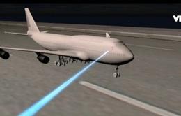Tái diễn chiếu đèn laser vào buồng lái gây mất an toàn bay
