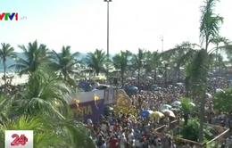 Sôi động bầu không khí Carnaval trên đường phố Rio de Janeiro