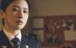 Lee Bo Young vẫn nức nở sau khi quay cảnh khóc