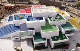 Ấn tượng ngôi nhà LEGO khổng lồ ở Đan Mạch