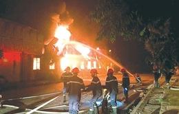 Chuyện ít biết về chiến sĩ phòng cháy chữa cháy