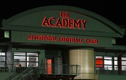 Vi phạm luật chuyển nhượng cầu thủ trẻ, Liverpool lĩnh án phạt nặng
