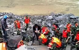 Trung Quốc nỗ lực tìm kiếm 93 người mất tích do sạt lở núi