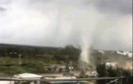 Bạc Liêu: Lốc xoáy sập nhà dân