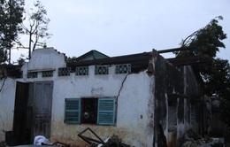 Lốc xoáy gây sập nhà, gãy đổ nhiều cây trồng tại Đồng Nai