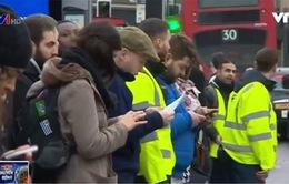 Anh: Công nhân đường sắt đình công, người dân đi lại khó khăn