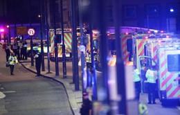 Anh: Xe tải lao vào người đi bộ trên cầu London, 20 người bị thương