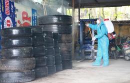 Xử lý lốp thải để phòng tránh sốt xuất huyết