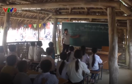 Thanh Hóa: Hàng trăm học sinh phải học trong phòng tranh tre tạm bợ