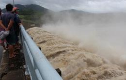 Thủy điện sông Ba Hạ (Phú Yên) xả lũ giữa mùa khô