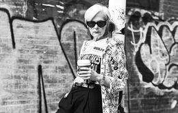 Nữ giáo sư thành người mẫu thời trang ở tuổi 63