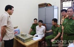 Lạng Sơn: Bắt quả tang đối tượng vận chuyển 42 bánh heroine