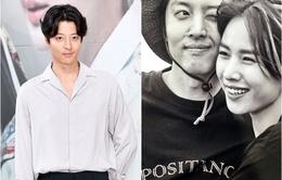Lee Dong Gun: Vừa làm vua, vừa chuẩn bị cưới, vừa chăm vợ bầu