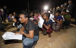 Malaysia: Đột kích công trường, bắt giữ 77 lao động nước ngoài bất hợp pháp