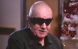 """Anh phát triển """"mắt điện tử"""" cho người khiếm thị"""