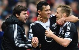 """Sao Man Utd """"tạo phản"""", công khai mến mộ HLV Tottenham"""
