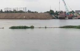 Đồng Tháp: Sà lan chở cát ùn ùn đậu dọc sông Tiền
