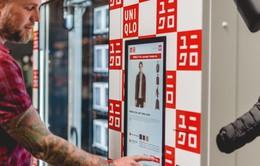 Uniqlo ra mắt máy bán áo tự động ở sân bay