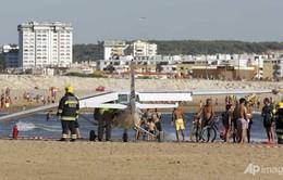 Hạ cánh làm chết người trên bờ biển, phi công đối mặt với tội ngộ sát