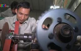 Anh nông dân sáng chế máy nông nghiệp đa năng