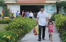 Nhức nhối thiếu nhà trẻ cho con em công nhân sau những vụ bạo hành