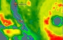 Một máy bay của hãng Delta Airlines liều lĩnh bay xuyên bão Irma