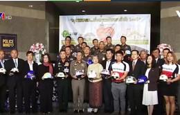 Thái Lan phát động chiến dịch 100% người dân đội mũ bảo hiểm
