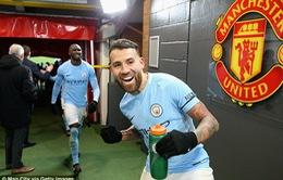 Hành hạ Man Utd, Man City lập liên tiếp kỷ lục