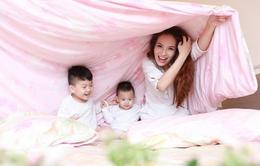 Ngắm khoảnh khắc ba mẹ con Đan Lê hạnh phúc bên nhau