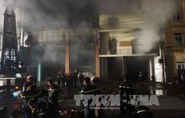 Cháy ngùn ngụt xưởng sản xuất giấy ở Bắc Ninh
