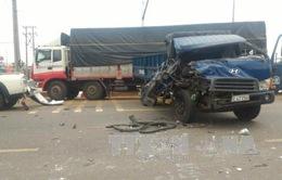 6 xe ô tô đâm liên hoàn, 2 người bị thương nặng