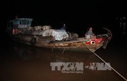 Cà Mau: Va chạm trên sông Gành Hào, ghe chở cát 17 tấn bị chìm