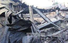 Cháy dữ dội thiêu rụi khoảng 1.200m2 nhà xưởng sản xuất bao bì