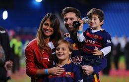 """Messi tính chuyện """"qua 2 lần đò"""" với bạn gái"""