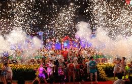 Lung linh, rộn ràng Lễ hội Mặt trăng 2017 - Cuộc đổ bộ đêm Rằm