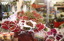 Hà Nội: Giá hoa tươi tăng mạnh trước ngày 20/10