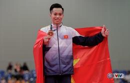 Lê Thanh Tùng giành hat-trick vàng cho TDDC Việt Nam