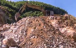 Mất an toàn các mỏ đá không có bãi thải ở Thừa Thiên Huế