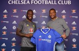Chelsea trói chân Moses tới năm 2021