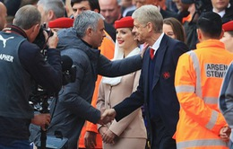 """HLV Mourinho cười nhạo Arsenal """"đỏ"""" hơn Man Utd"""